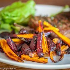 Pečená červená řepa s mrkví jako příloha - Spicy Crumbs Roasted Vegetables, Veggies, Modern Food, Czech Recipes, Cooking Recipes, Healthy Recipes, Beetroot, Side Dishes, Spicy
