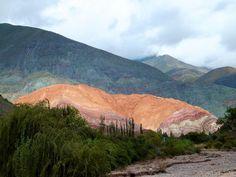 Cerro de los Colores - Purmamarca – Über die alte Route 9, eine mit tollem Wald umgebenen kleinen Straße, brachte uns eine more pictures here https://www.overlandtour.de/cerro-de-los-colores-purmamarca/