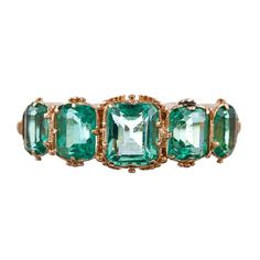 1stdibs | Antique Five Stone English Carved Emerald Yellow Gold Ring