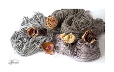 Hand spun yarns dyed with elderberries