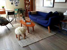 Revista Living eligió para su espacio en Estilo Pilar, alfombras, banquitos y mantas de Elementos Argentinos.