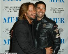 Josh Holloway and Matthew Fox; Oh my gosh, this is the cutest thing. Love both of these men...