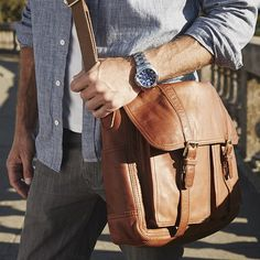 Estate EW Messenger in Cognac is perfect for wherever the day takes you.