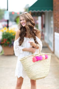 love this looks and the pom pom tote