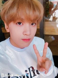I hope our Haechan (Fullsun☀️) will get a quick recovery with his injury. i miss him and im sure members of NCT does too. Nct 127, Nct Taeyong, Winwin, Jaehyun, Kpop, Johnny Seo, Sm Rookies, Pin Pics, Fandom
