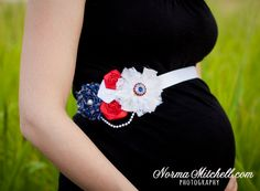 Kinda cute around Memorial Day :) Maternity Photography Poses, Maternity Session, Maternity Pictures, Pregnancy Photos, Baby Pictures, Photography Couples, Family Pictures, Military Pregnancy, Military Maternity
