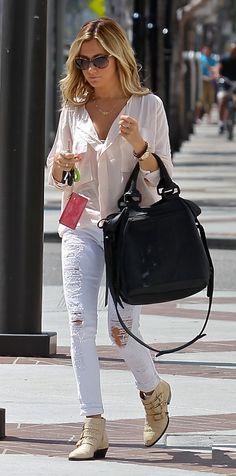 Rose chiffon blouse x white ripped skinnies x tan booties.