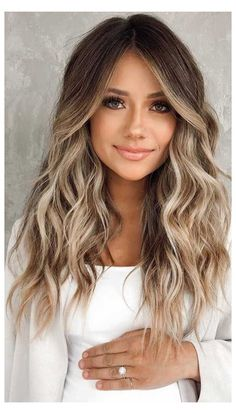Balayage Hair Brunette With Blonde, Blonde Hair With Highlights, Brown Blonde Hair, Hair Color Balayage, Brown Hair With Blonde Balayage, Light Brunette Hair, Balayage Straight, Black Hair, Medium Balayage Hair