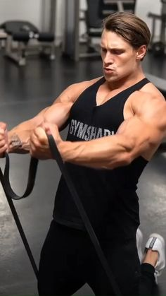 Resitance Band Workout, Big Biceps Workout, Gym Workout Videos, Chest Workout For Men, Full Body Workout Routine, Chest Workouts, Chest Exercises, Yoga Training, Workout Posters