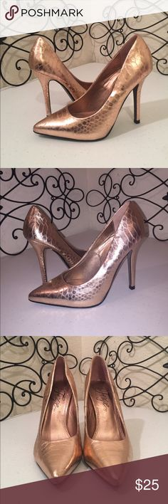 """FERGIE Rose Gold """"Snakeskin"""" Heels PRICE FIRM. Gorgeous metallic rose gold faux snakeskin pumps with 4.5"""" heel. Good used condition, there are some scuffs, see photos, difficult to see due to color & texture. Please check out the rest of my🚪closet!💎 Fergie Shoes Heels"""