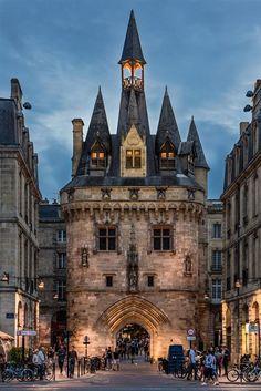 Belleza De Burdeos, Puerta Cailhau