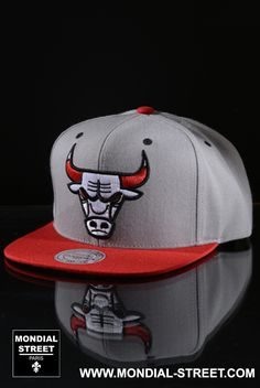 Snapback BULLS  rayon marque Mitchell and Ness sur www.Mondial-Street.com/Mitchell-and-Ness