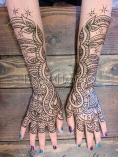 #henna #konahenna #Mehndi #hennahands #mehndihands #handtattoo #tattoo #art Visit our website at konahenna.com We manufacture our own brand of 100% organic henna. Henna kits available. Wholesale accounts available. Aloha! :)