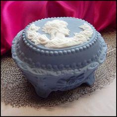 Cameo Vintage Jewelry Box Wedgewood Blue Jasperare Vanity Trinket http://www.greatvintagejewelry.com/inc/sdetail/cameo-vintage-jewelry-box-wedgewood-blue-jasperare-vanity-trinket-/13673/19323