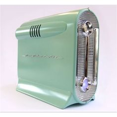 This is actually a PC , case is made to look retro 50's