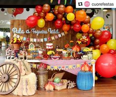 Pula, Bolo Fake, Table Decorations, Photo And Video, Birthday, Cake, Bathroom Ideas, Instagram, Candy Dishes