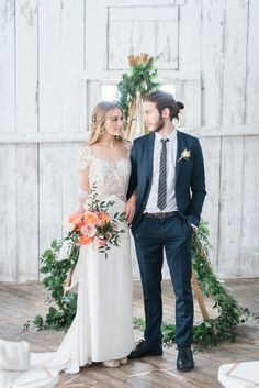 Modern barn wedding inspiration -repinned from Los Angeles County & Orange County marriage officiant https://OfficiantGuy.com