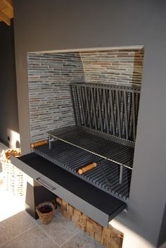 Barbecue Design, Barbecue Grill, Built In Bbq Grill, Parrilla Exterior, Argentine Grill, Backyard Fireplace, Bbq Kitchen, Outdoor Living Rooms, Bbq Area