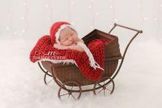 Los Angeles Baby Photography. Christmas Baby! Christmas Newborn :-) www.maxineevans.com www.purebabyluxe.com