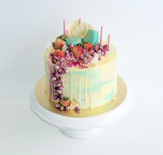 Pretty in pastels - Cake by Wendy