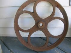 OLD VTG ANTIQUE FLAT BELT PULLEY FARM GEAR CAST IRON BARN FIND WHEEL DECO | eBay