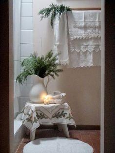 Lovely linens trimmed for Christmas : Cabin & Cottage
