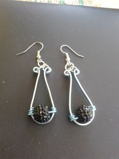 couleur bleu glacé perle noire
