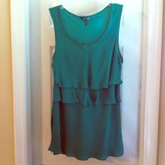 Emerald Top Daisy Fuentes emerald colored, layered top. In perfect condition, size L Daisy Fuentes Tops
