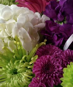I love these colors and flowers for my wedding shower