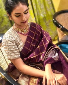 Silk Saree Blouse Designs, Saree Blouse Patterns, Fancy Blouse Designs, Designer Blouse Patterns, Saree Jewellery, Gold Jewellery, Indian Bridal Fashion, Saree Trends, Saree Models