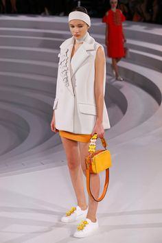 Anya Hindmarch | Ready-to-Wear Spring 2017 | Look 3