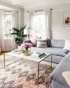 Awesome small living room designs are offered on our web pages. look at this and you wont be sorry you did. Casual Living Rooms, Living Room Modern, Rugs In Living Room, Living Room Furniture, Living Room Designs, Home Furniture, Living Room Decor, Rustic Furniture, Modern Furniture