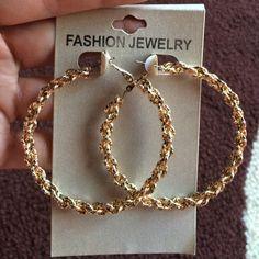 Hoop chain link earrings still new Jewelry Earrings