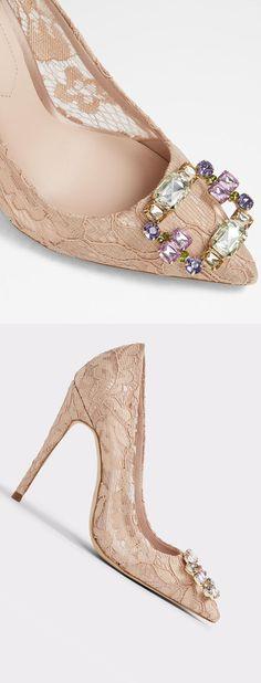 b3250e37464 Nude Lace und Diamontee Detail Brautschuhe oder Mutter der Braut. Sommer  Hochzeit Zubehör. Brautschuhe
