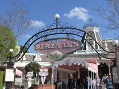 the plaza inn disneyland - Homestyle food Fried Chicken and Pot roast.  Super yummy and Pink Everything!!!