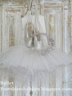Pastels and Whites: BALLET....