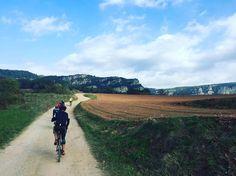 Brève #garrotxina #gravelbike #gravelcatalunya  #garrotxina #gravelbike #gravelcatalunya Really nice roads! http://ift.tt/2gbuehc  Brève #garrotxina #gravelbike #gravelcatalunya  contact@caminade.eu (Caminade) : November 20 2016 at 08:15PM http://ift.tt/2gbxV6E