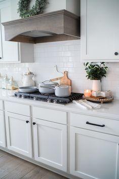 Kitchen Hacks, Kitchen Decor, Kitchen Colors, Non Toxic Cookware, Oven Hood, Pan Storage, Cupboard Shelves, Kitchen Must Haves, Diy Design
