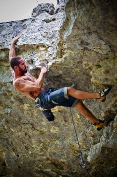 ∆-cfb8d71-863q19z - athletic man - rock climbing