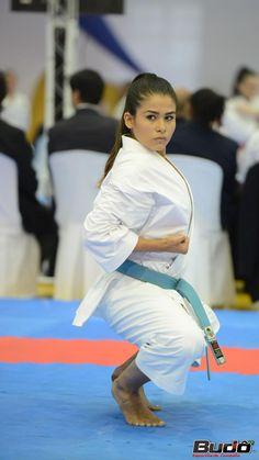 Self Defense Moves, Karate Girl, Martial Arts Women, Warrior Girl, Judo, Strong Women, Kicks, Wrestling, Live
