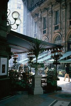 Galleria, Milano, Italia (by BudCat14/Ross)