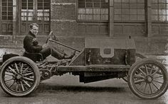 Simplex Zip:  George Robertson (Who won the Vanderbilt Cup Race with it), show what the shortened-chassis sprint racer looked like. It was a bare bones racing car meant for short sprints and match races. The photo has been dated in the past as 1910 and the car is reputed to have used Simplex's new 90 hp engine, with the bore and valves larger than the standard 50 hp. - See more at: http://theoldmotor.com/?p=4129#sthash.z0SYRtuz.dpuf