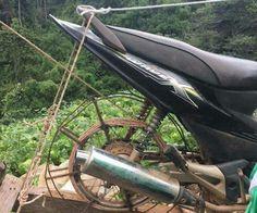 สุดยอดไอเดีย! ชาวม้ง ขนผักขึ้นดอยโดยไม่ต้องจ้างคนแบกอีก โดยดัดเเปลงเครื่องยนต์จากมอเตอร์ไซค์