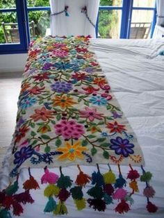 "alisonannestitch: fibrearts: Embroidered Blanket Is it wrong that when I look at this beautiful piece of work, all I can think is ""These people clearly don't own cats""? Embroidery Stitches, Embroidery Patterns, Hand Embroidery, Mexican Embroidery, Boho Decor, Bunt, Fiber Art, Sewing Projects, Weaving"