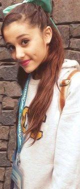 Ariana sweatshirt