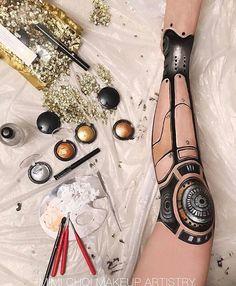 A hand-painted leg using PAT McGRATH Metalmorphosis 005 ? Could not co. - A hand-painted leg using PAT McGRATH Metalmorphosis 005 ? Could not complete due to back - Pat Mcgrath Metalmorphosis, Von 5 Bis 7, Cyborg Costume, Robot Makeup, Sfx Makeup, Robot Leg, Arte Steampunk, Arte Robot, Best Instagram Photos