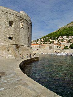 Dubrovnik Dalmatiensdubrovnik Croatiabosnia And Herzegovinamontenegro Sloveniacroatiacowplaces To Visitseptember