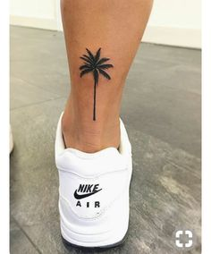 Tattoo Ideen Frauen - Palm Tree Tattoo Frauen Basteln mit Kindern Herbst Please visit our website for Mini Tattoos, Trendy Tattoos, Tattoos For Women, Tattoos For Guys, Tattoo Women, Woman Tattoos, Little Girl Tattoos, Girls With Tattoo, Female Back Tattoos