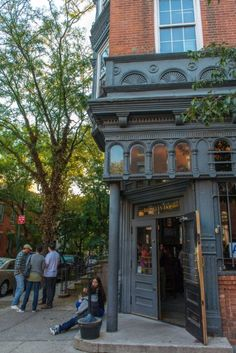 In Their Shoes: Walt Whitman's Guide To Brooklyn