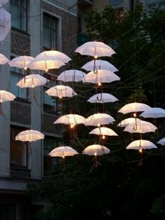 Awesome outdoor umbrella lights!!! OMG! I WANT!